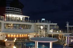 Dapper-Mouse-Travels-Disney-Wonder-Quiet-Cove-Noche
