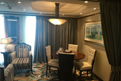 Disney-Dream-Concierge-Suite-Comedor